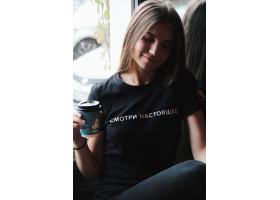 футболка женская L
